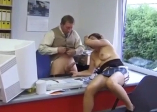 Daddy's daughter sucks his dick in the office