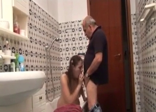Dad licks a wide-opened cunt of his own daughter